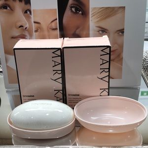 NEW Marykay timewise 3-1 cleansing bar.